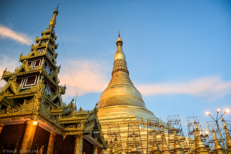 serial-travelers-myanmar-que-faire-a-yangon-rangoun-pagode-shwedagon-plus-grande-pagode-coucher-soleil-sunset