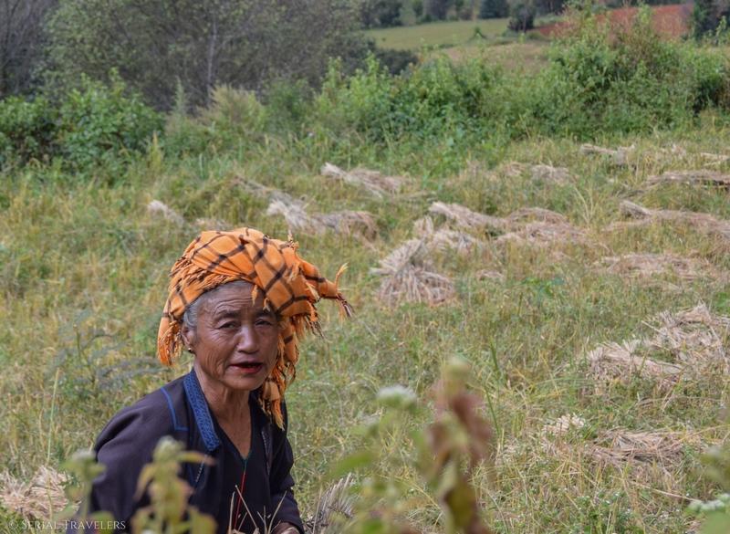 serial-travelers-myanmar-trek-kalaw-inle-sam-family-femme-portrait
