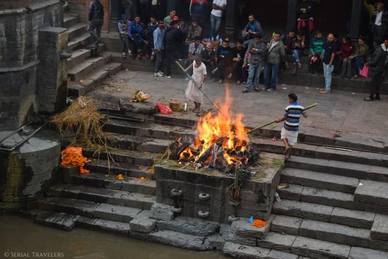 serial-travelers-nepal-katmandou-pashupatinath