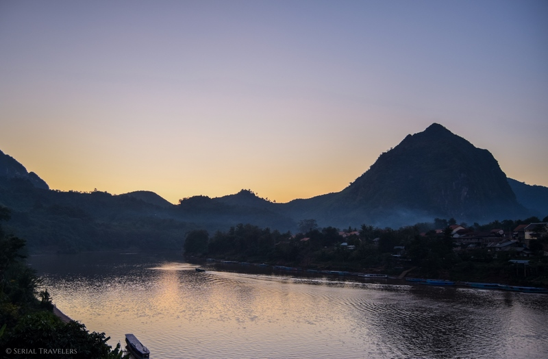serial-travelers-blog-voyage-asie-laos-nord-nong-khiaw-village-coucher-soleil-riviere-bridge-pont