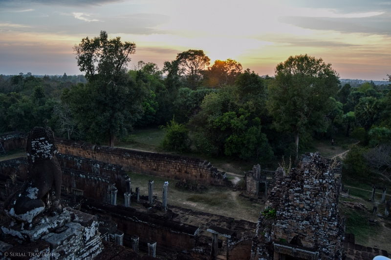 serial-travelers-cambodge-angkor-pre-rup-sunset