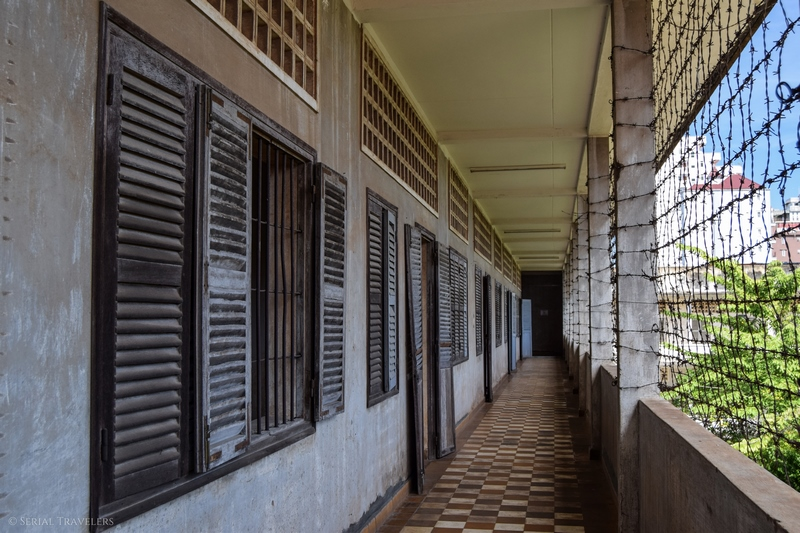 serial-travelers-cambodge-phnom-penh-musee-genocide-tuol-sleng-s21-khmer-rouge-couloir