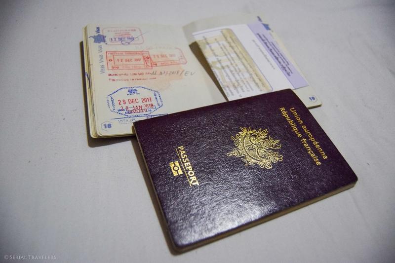 Passage de la frontière Vietnam - Cambodge et arrivée à Phnom Penh