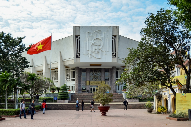 serial-travelers-vietnam-hanoi-ho-chi-minh-museum2