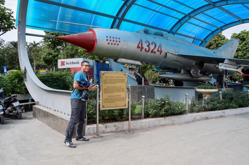 serial-travelers-vietnam-hanoi-vietnam-military-history-museum-mig21(2)