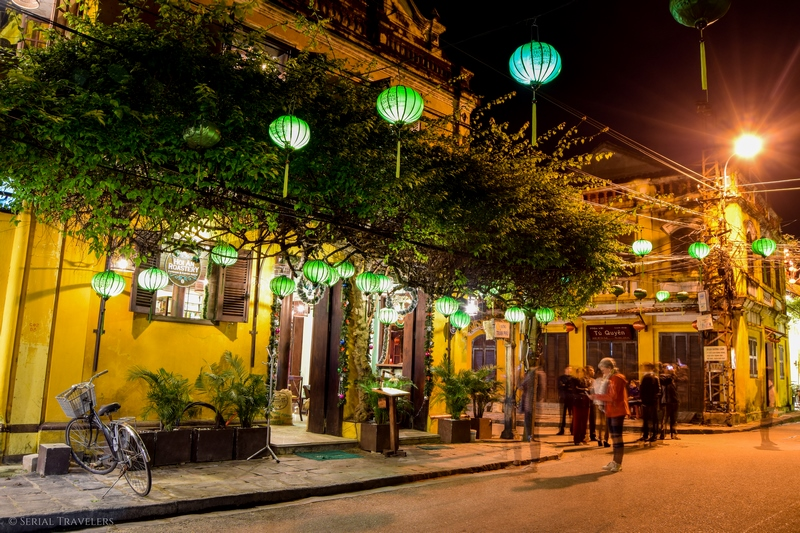 serial-travelers-vietnam-hoi-an-lanternes-by-night