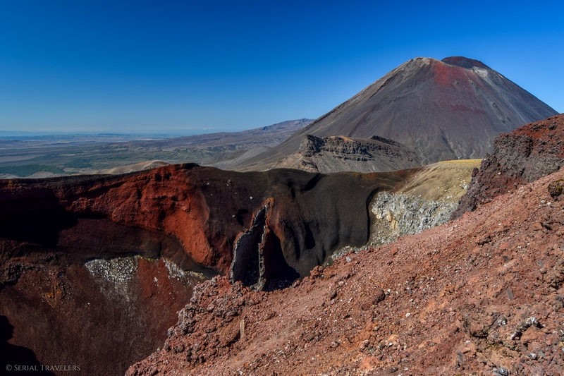 serial-travelers-tongariro-alpine-crossing-red-crater-summit-overview