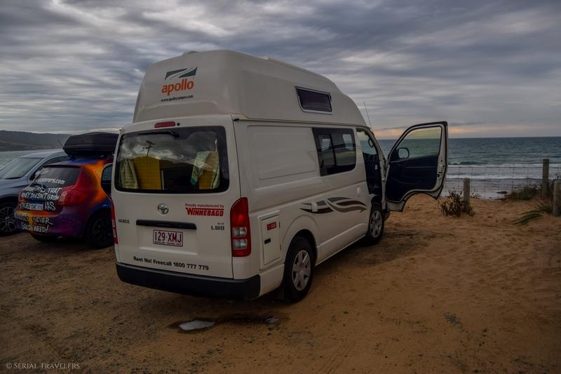 serial-travelers-australie-great-ocean-road-apollo-bay-night-by-ocean