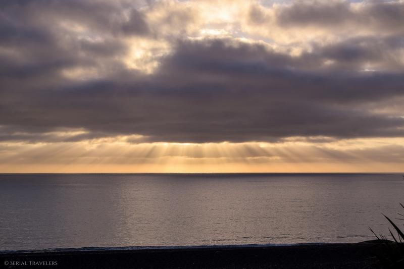 serial-travelers-nouvelle-zelande-kaikoura-lever-soleil-sunrise-rayon-soleil