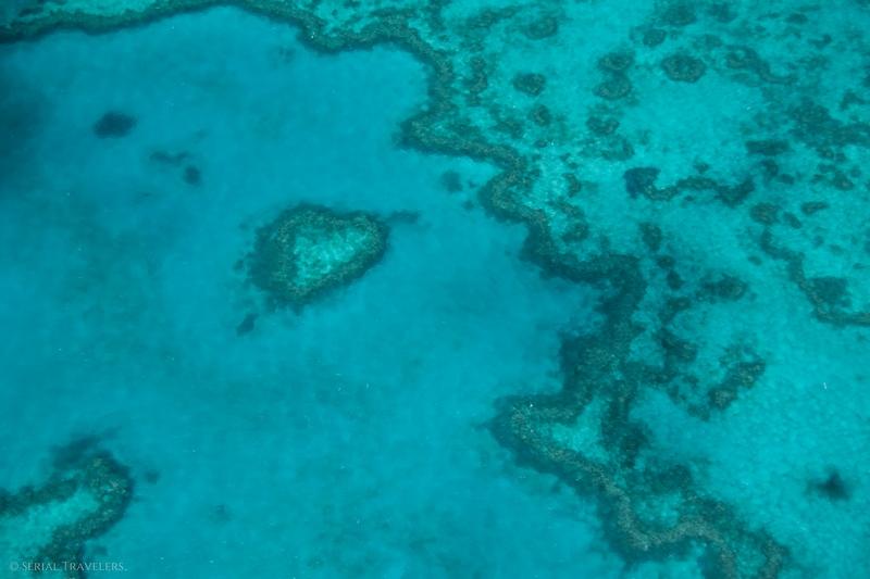 serial-travelers-australie-survol-great-barrier-reef20-heart-reef
