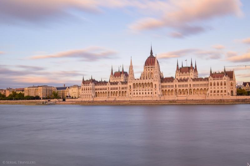 serial-travelers-budapest-parlement-hongrois-13