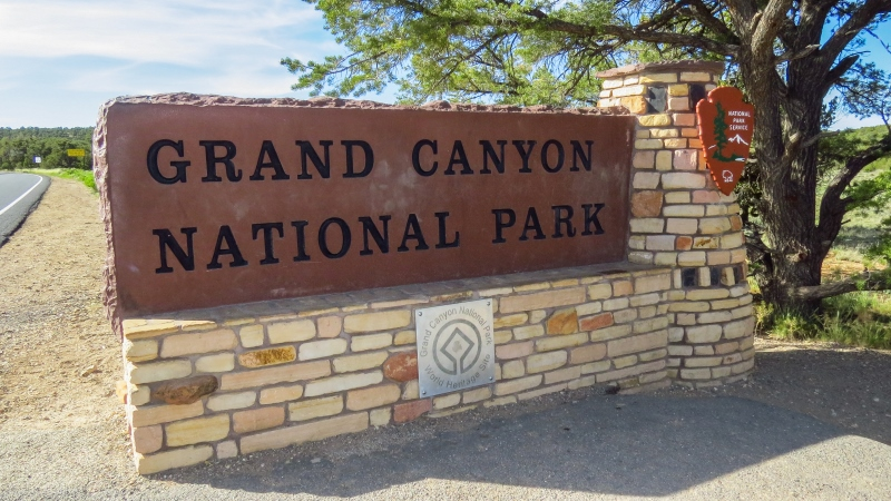 serial-travelers-ouest-americain-grand-canyon-east-entrance