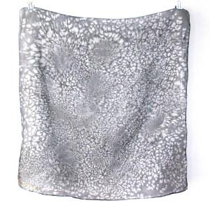 black pattern neck scarf