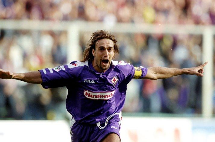 Gabriel Batistuta of Fiorentina celebrates
