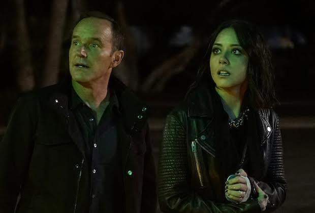 """MARVEL'S AGENTS OF S.H.I.E.L.D. - """"Let Me Stand Next to Your Fire"""" - As Ghost Rider's quest for vengeance brings him into an explosive confrontation with S.H.I.E.L.D., Coulson and Mack must rely on an unlikely ally in their time of desperate need; and Daisy reunites with a familiar face to stop the Watchdogs, on """"Marvel's Agents of S.H.I.E.L.D.,"""" TUESDAY, OCTOBER 18 (10:00-11:00 p.m. EDT), on the ABC Television Network. (ABC/Kelsey McNeal) CLARK GREGG, CHLOE BENNET"""