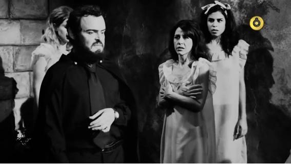 Em cena: O ator Matheus Nachtergaele interpreta Zé do Caixão.