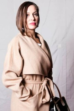 Natalia Millán es Lola Mendieta.