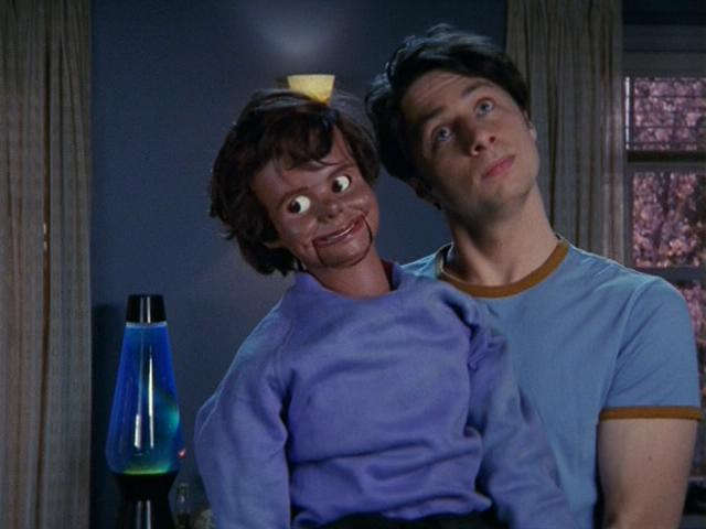 Scrubs-2x19_JD_with_puppet