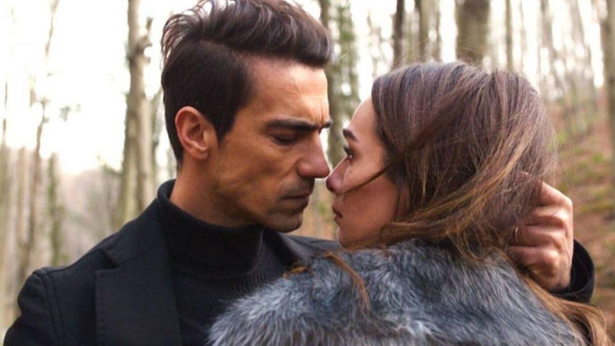 Siyah Beyaz Aşk in ITALIANO dove seguire la serie completa