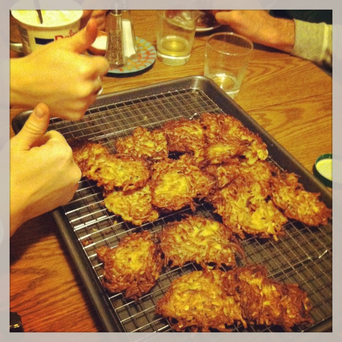 These latkes get 2 thumbs up.