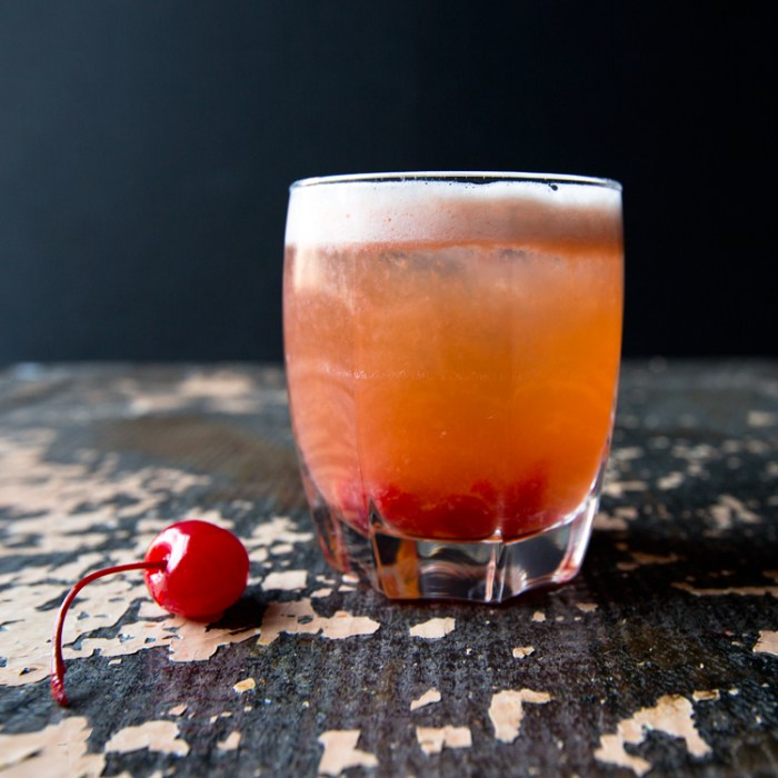 Warm Weather Whiskey Drinks // Weekend Finds on Serious Crust
