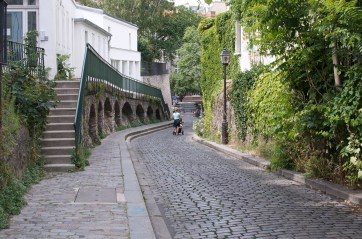Rue Saint-Vincent, leading up to the museum.