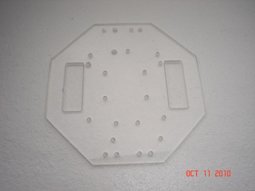 Compact - a Small Arduino Robot (2/6)