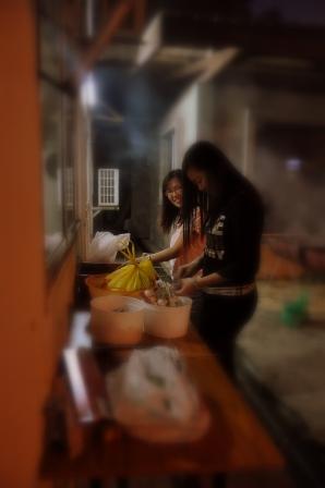 Jessica & Jodie preparing the food. Thank you...
