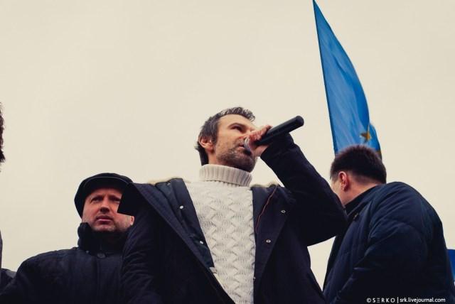 20131201_15h20m18s_kiev_evromajdan_353