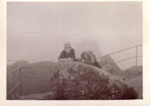 안명성과 설악산 울산암에서, 1968년