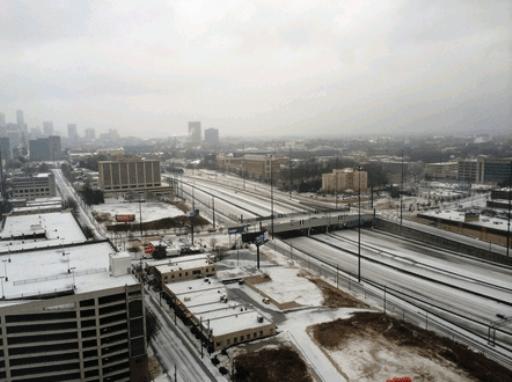2주 전 worst snow jam과 극단적으로 대조적인 freeway