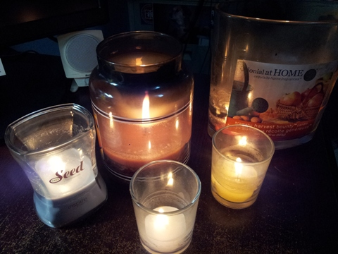 soothing candles' light & aroma