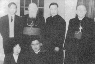 사제 서품식 때 띠스렁 추기경, 피롤레 대주교님과 함께 (1963)