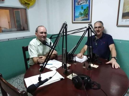 Micrófonos de Radio Luz Cortés