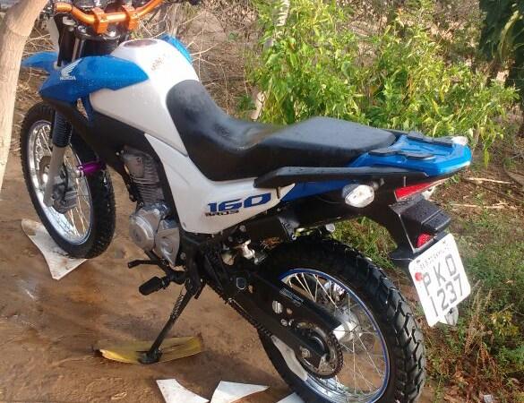 Moto roubada em Serra do Ramalho – BA