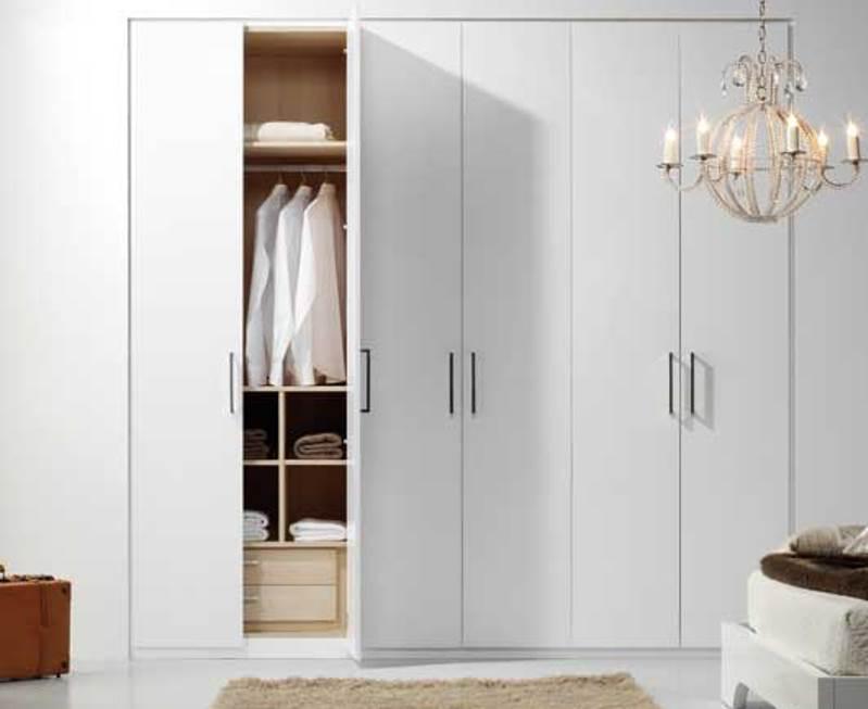 Armarios empotrados aprovechar el espacio reformas y decoraci n de interiores en le n - Decoracion de armarios empotrados ...