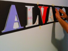 Instalando letras pared