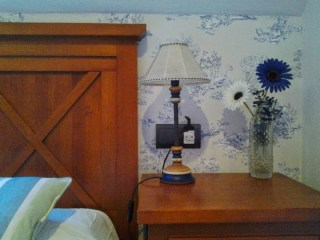 papel pintado Toile de Jouy azul dormitorio abuhardillado