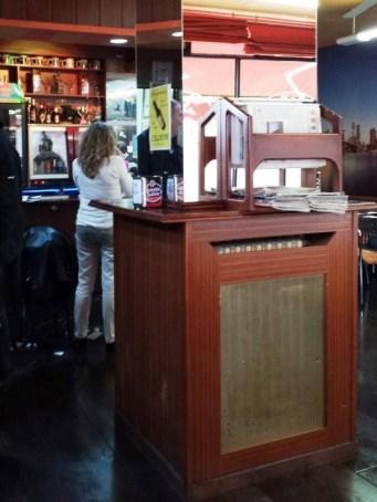 Antiguo aspecto del pilar en el Bar 1