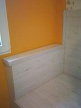 Cabecero cama inferior con repisa para salvar columna