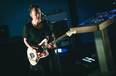 Thom Yorke Yeni Şarkısı The Axe'i Paylaştı