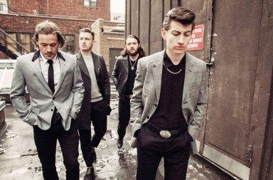 Yeni Arctic Monkeys Albümü 'Tranquility Base Hotel & Casino' Yayında