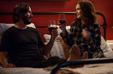 Winona Ryder ve Keanu Reeves'lı Destination Wedding'ten Fragman