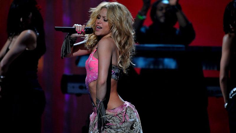 [:tr]Fikret Orman: Shakira İstanbul Vodafone Park'ta Konser Verecek [:]