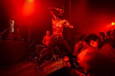 Shrek Yönetmeniyle Death Grips Grubunun Yeni Şarkısı Dilemma Yayında