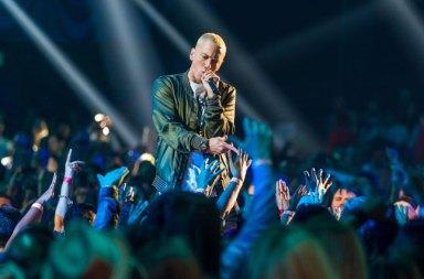 Eminem Kamikaze Adlı Yeni Albümünü Yayınladı