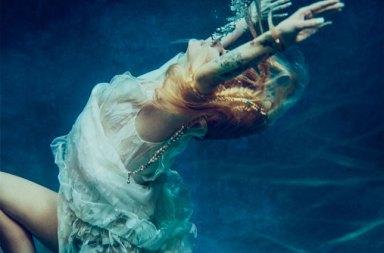Avril Lavigne Head Above Water Şarkısıyla Geri Döndü