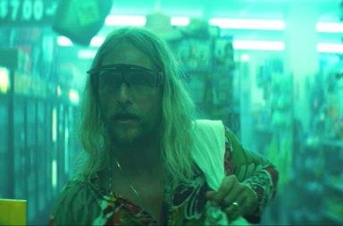 Matthew McConaughey Başrollü The Beach Bum Filminden İlk Fragman