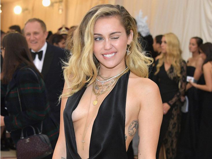 [:tr]Miley Cyrus Black Mirror Yeni Sezonunda Rol Alacak [Video][:]