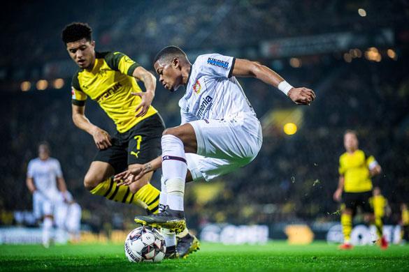 Borussia Dortmund - Leverkusen maçını S Sport 2 kanalından canlı izle!
